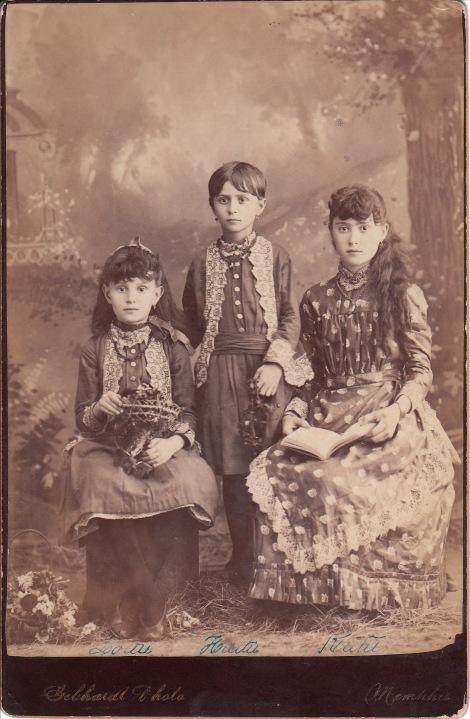 brown-sisters1