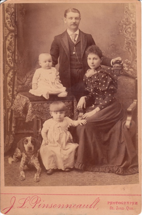 FAMILY AND DOG_0007