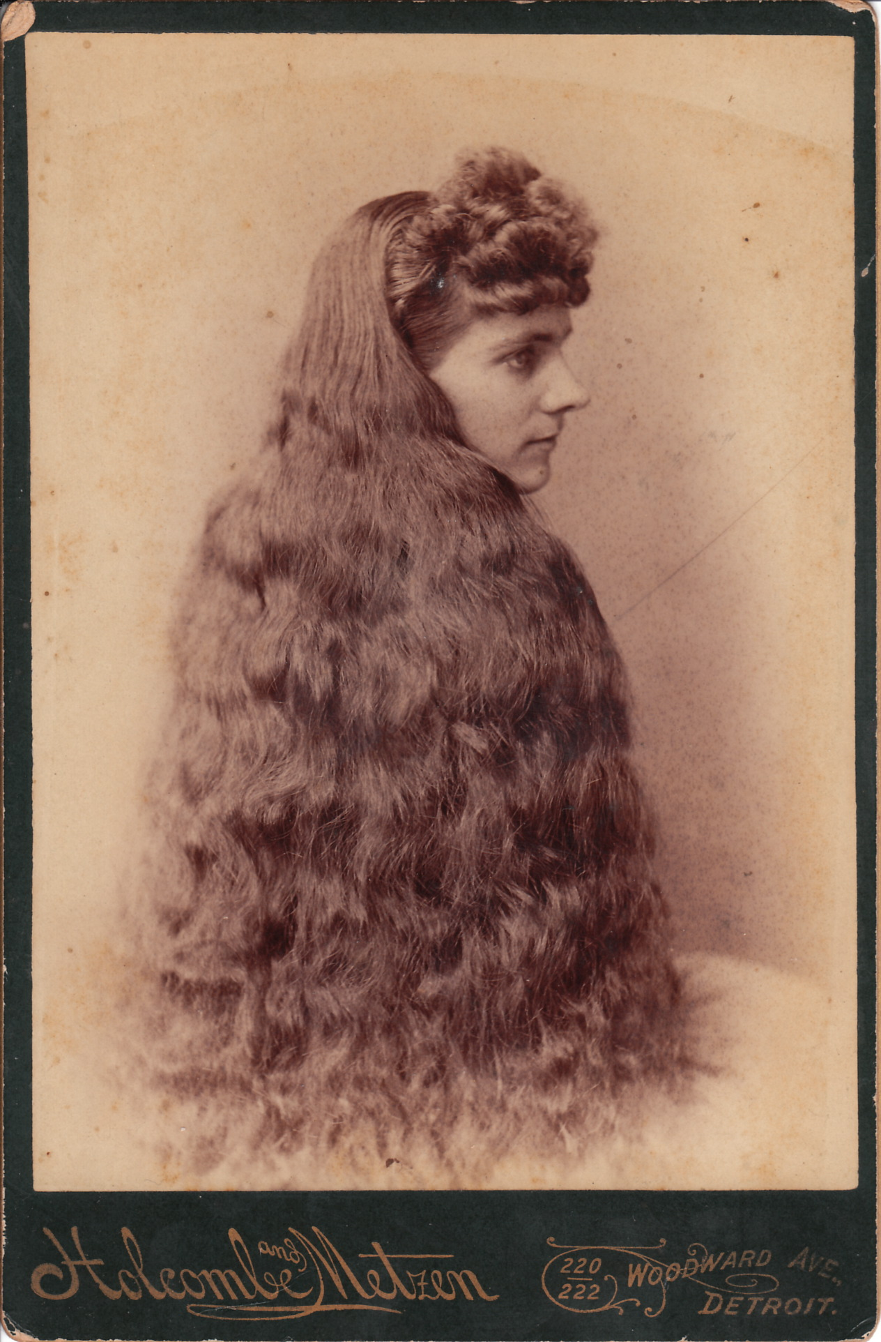YOUNG WOMAN WITH THE LONGEST HAIR IN DETROIT | THE CABINET ...
