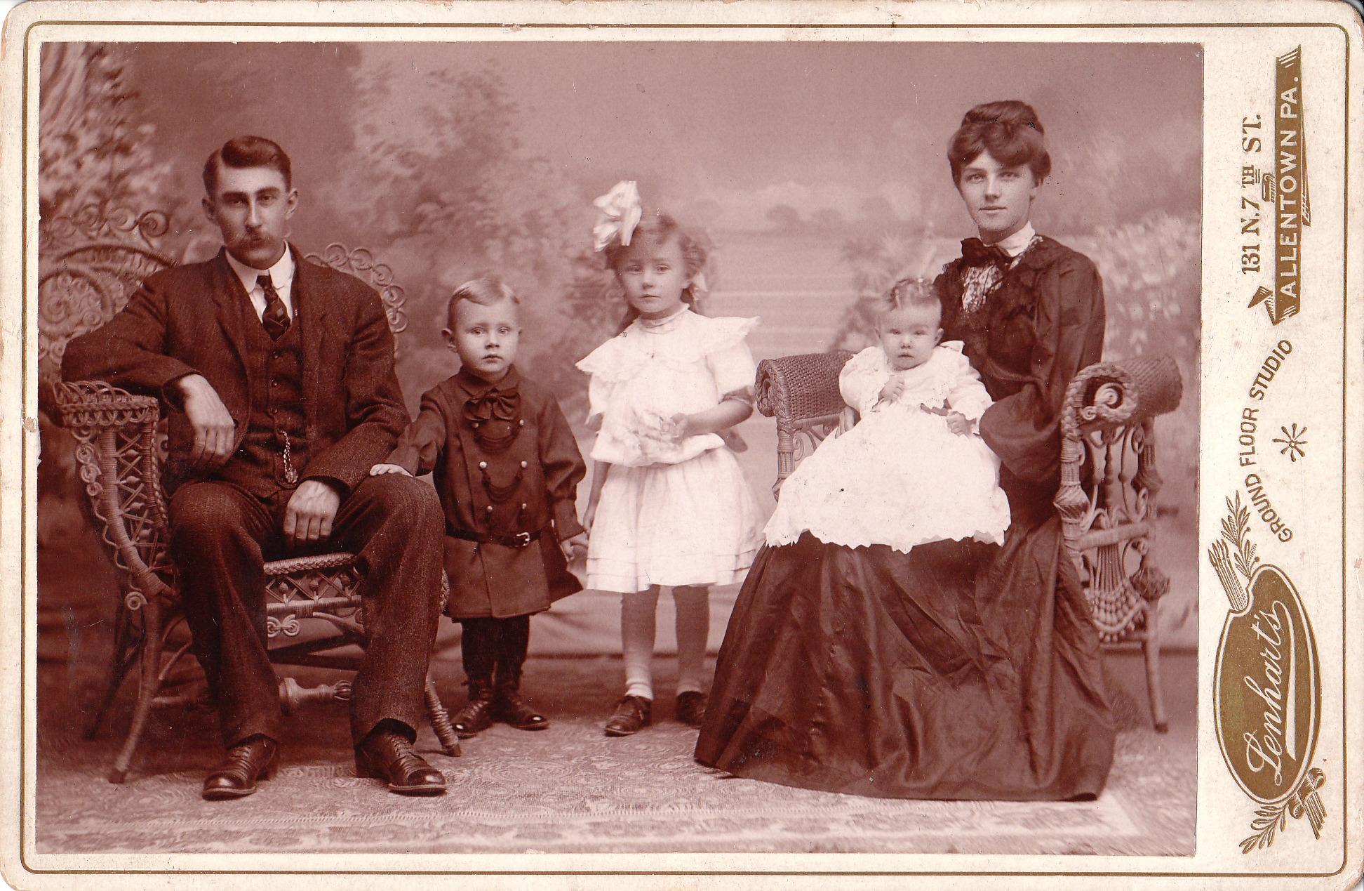 englands oldest fam - HD1944×1269
