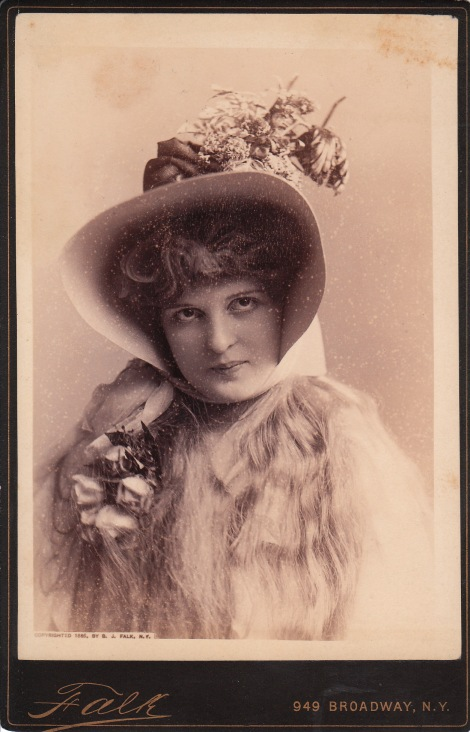 UNIDENTIFIED ACTRESS PHOTOGRAPHED BY FALK IN NEW YORK CITY