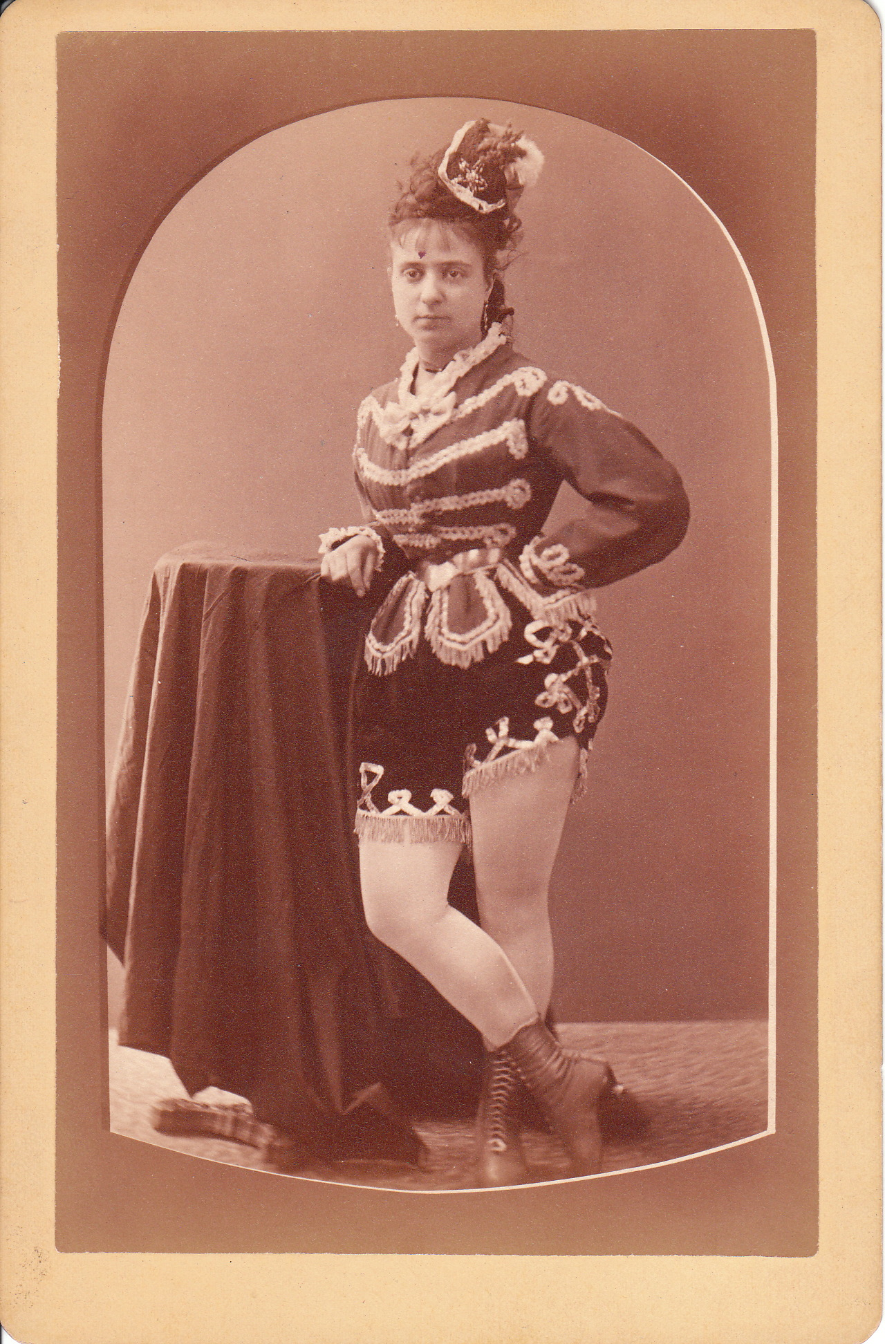 dating cabinet card phtographs