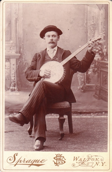BANJO PLAYER_0006