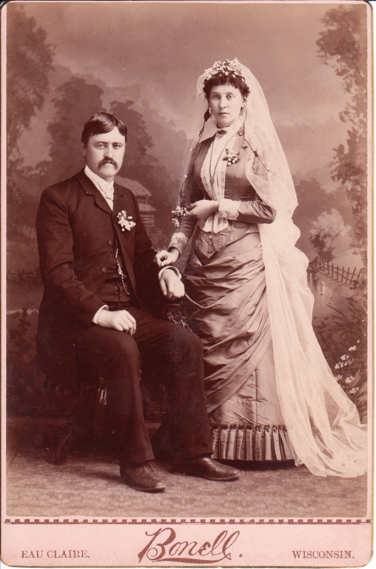 EAU CLAIRE COUPLE