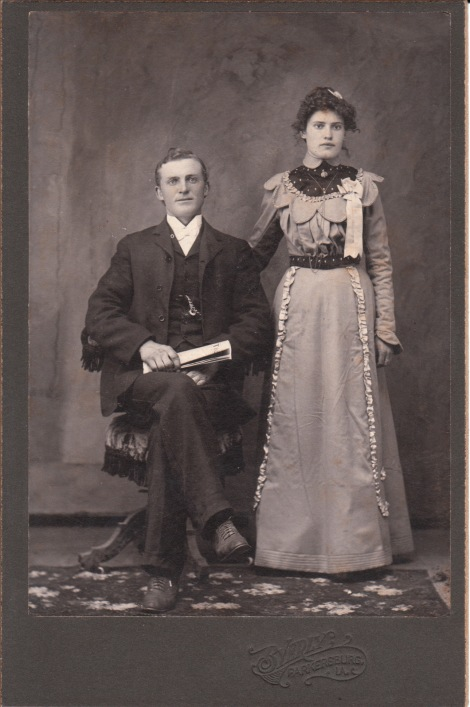 PARKERSBURG COUPLE_0004