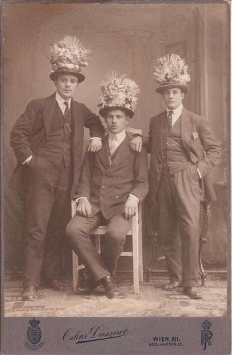MEN IN FLOWERS_0012