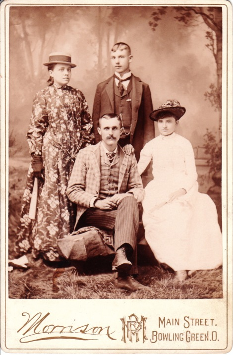 dating cabinet card photos Solving the mystery faces and places in your old family photographs requires knowledge of your family history, combined with good old fashioned detective work when you're ready to take on the challenge, these five photo.