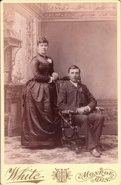 WIS COUPLE FRONT_0006