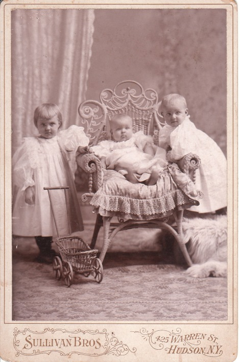 THREE BABES_0002