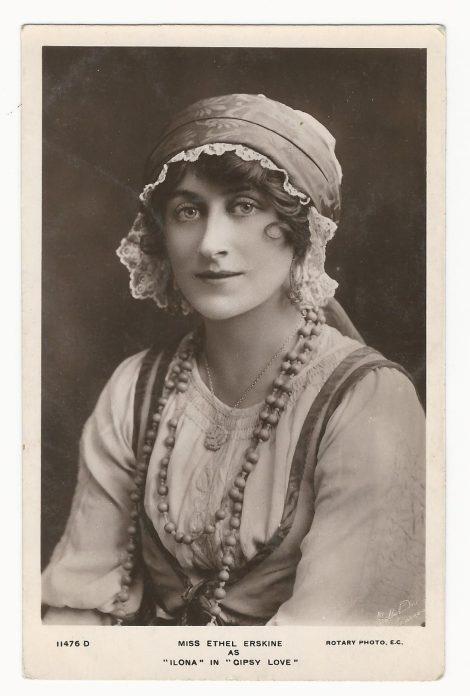 pretty-actress-4