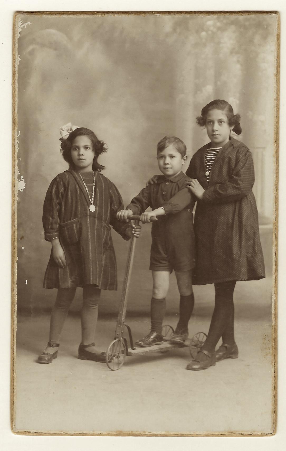 three-spanish-kids