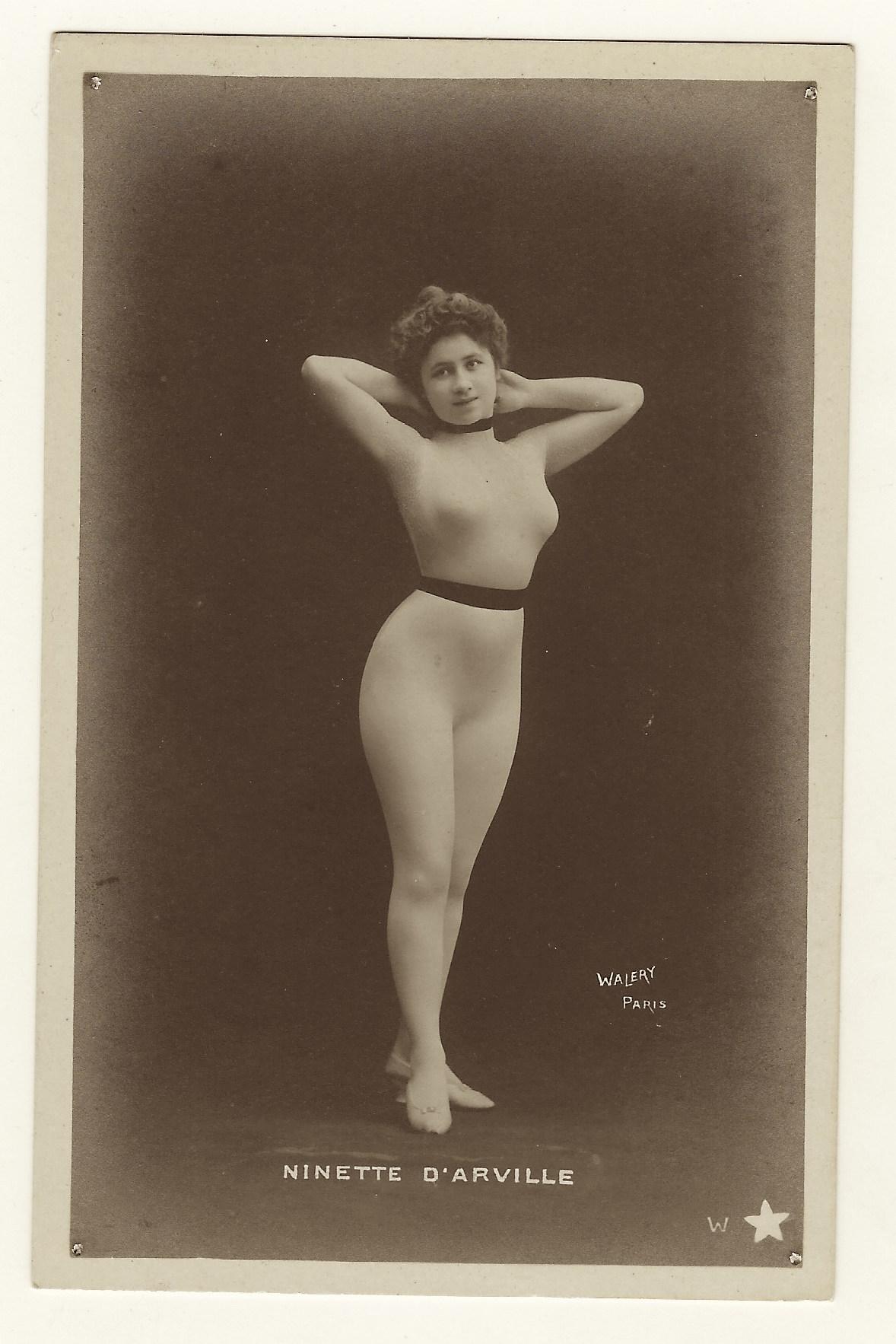 Nude portrait gallery