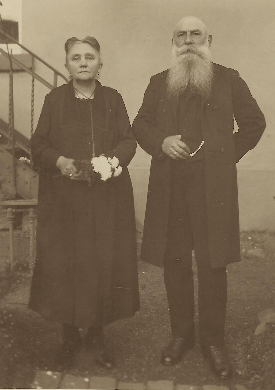 elderly couple distinguished 1