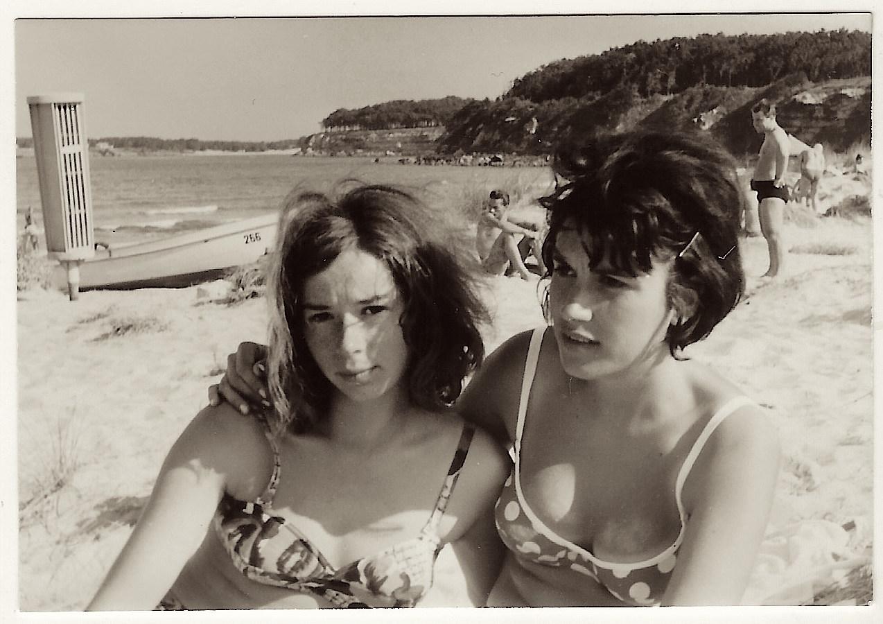 TWO GIRLS BEACH